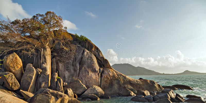 Roca Koh Samui, Tailandia de la abuela foto de archivo