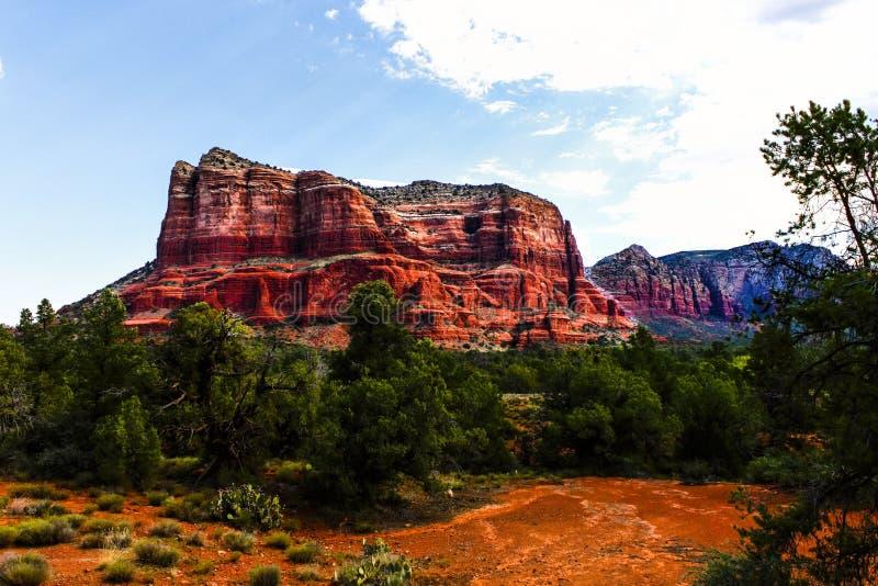 Roca roja Sedona, Arizona de la catedral de la roca del lugar de vacaciones hermoso del paisaje fotografía de archivo