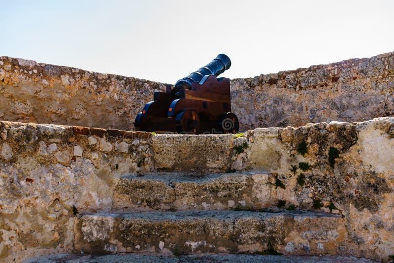 Roca Sans Pedro de La Fortwände und Kanone, Santiago De Cuba, Kuba stockfotografie