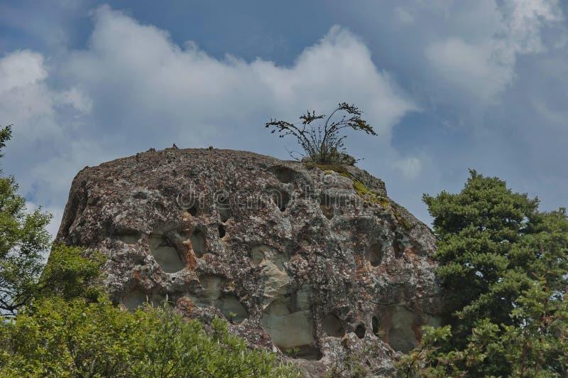 Download Roca Sedimentaria Interesante En El Castillo De Giants Foto de archivo - Imagen de liquen, musgo: 41904032
