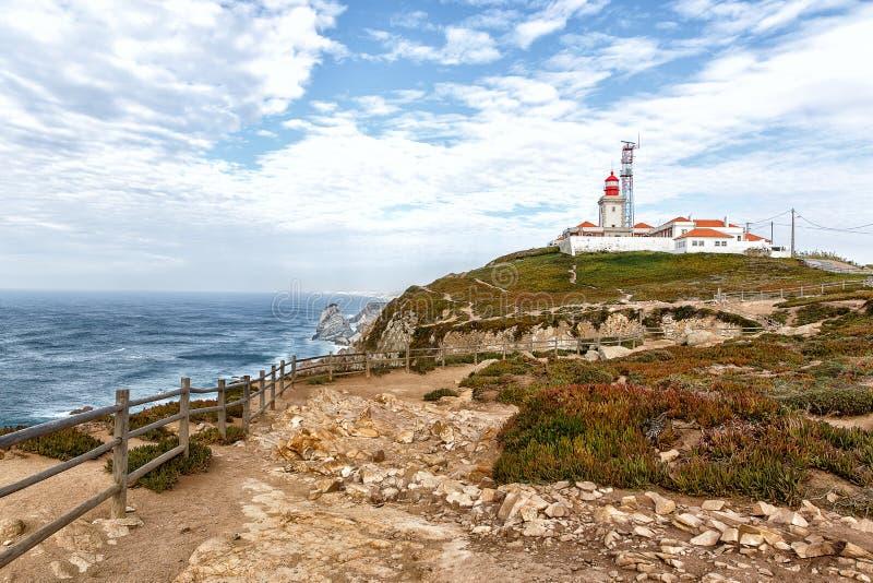 Roca uddefyr i Portugal som är västra mest punkt av Europa, Cabo da Roca, Portugal arkivbild