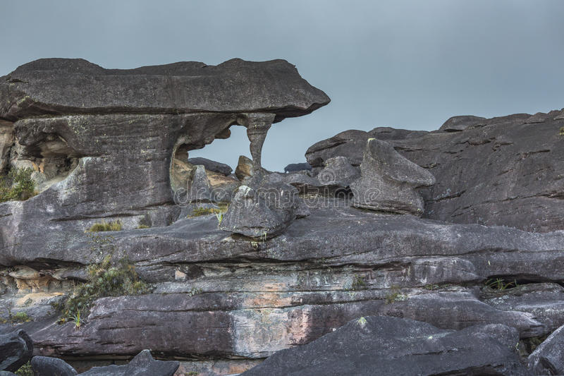 Rocas antiguas extrañas del tepui de Roraima de la meseta - Venezuela, imagenes de archivo