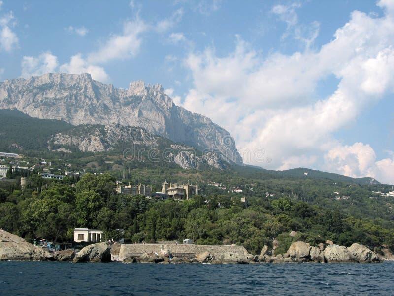 Rocas de Crimea y palacio 01 de Vorontsov imagenes de archivo