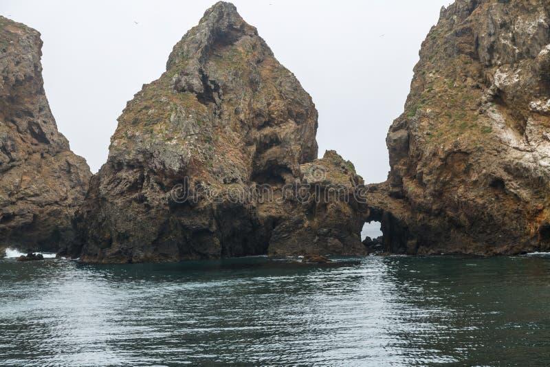 Rocas de la isla fotos de archivo