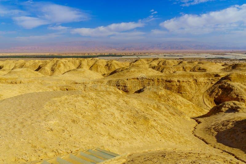Rocas de la marga de Lissan y montañas de Edom, el camino de la paz de Arava imágenes de archivo libres de regalías