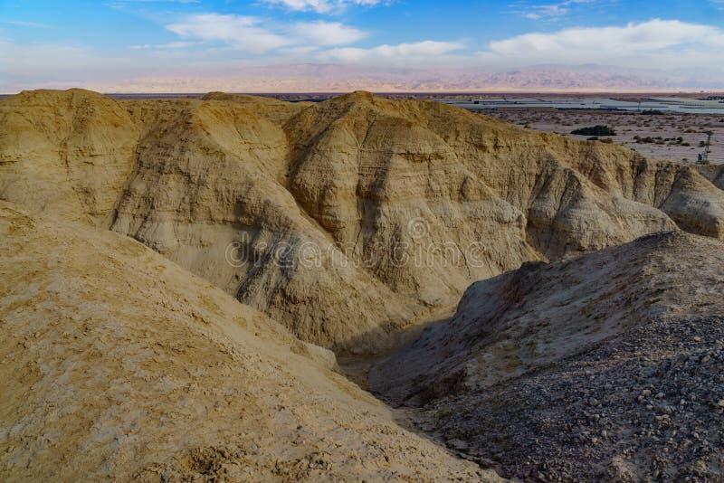 Rocas de la marga de Lissan y monta?as de Edom, el camino de la paz de Arava imagenes de archivo