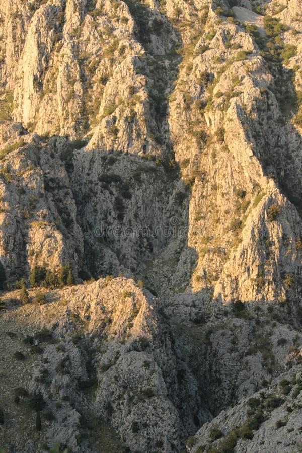 Rocas de la montaña fotos de archivo