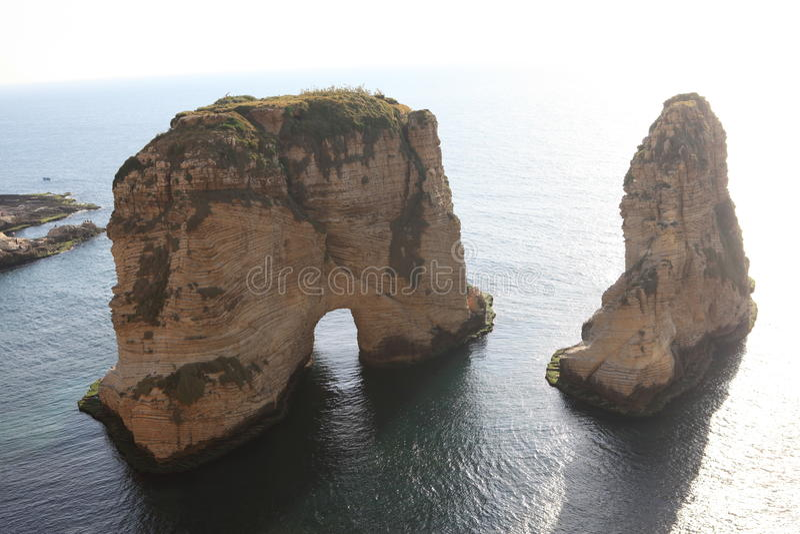 Rocas de la paloma en Beirut fotos de archivo libres de regalías