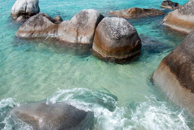 Rocas de la playa fotos de archivo