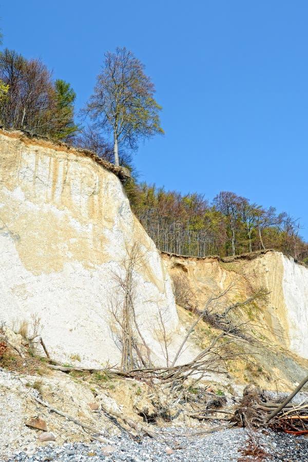 Rocas de la tiza de la isla de Rugen (Alemania, Mecklemburgo-Pomerania Occidental) imagenes de archivo