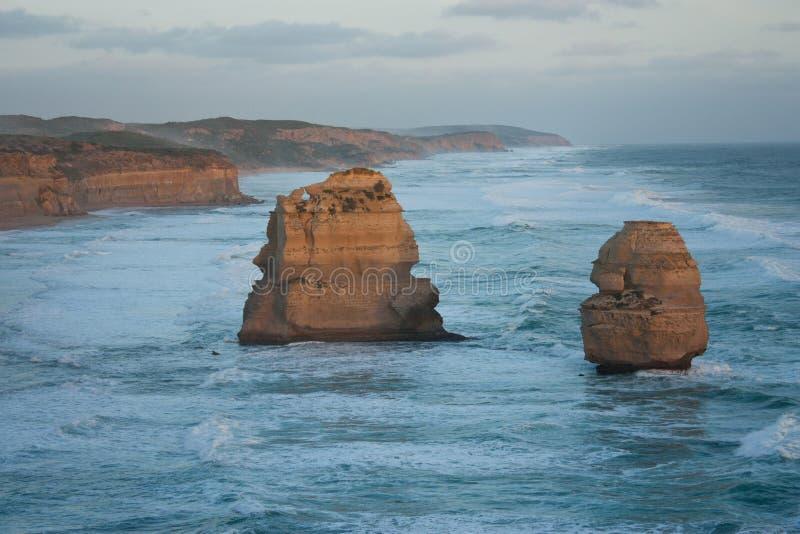 Rocas en los doce apóstoles en el gran camino del océano en Australia foto de archivo libre de regalías