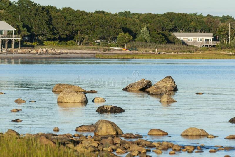 Rocas a lo largo de la línea de la playa del punto de Ned imágenes de archivo libres de regalías