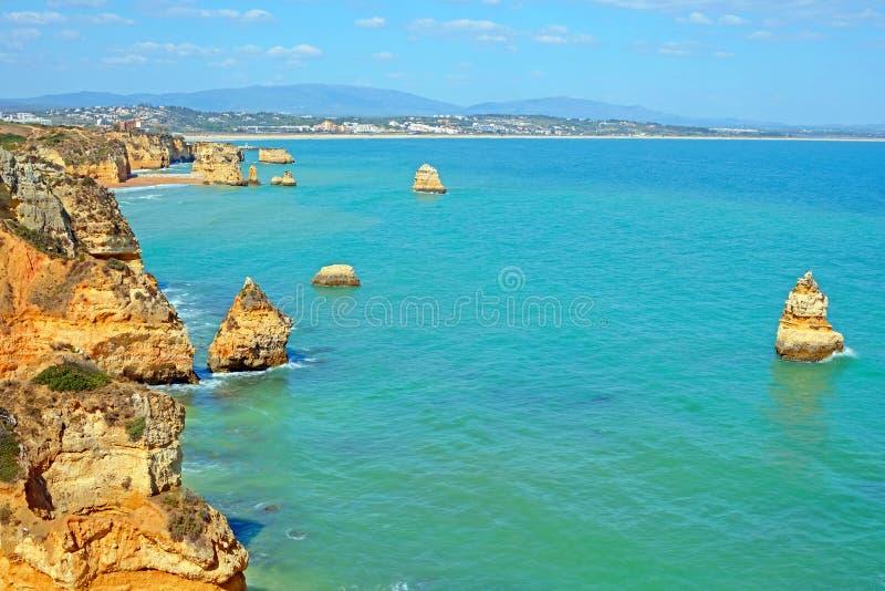 Rocas naturales en anecdotario del Praia D 'en el Algarve Lagos Portugal fotografía de archivo libre de regalías