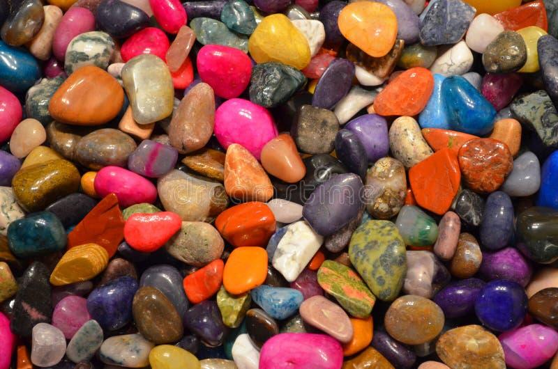 Rocas pulidas coloridas foto de archivo