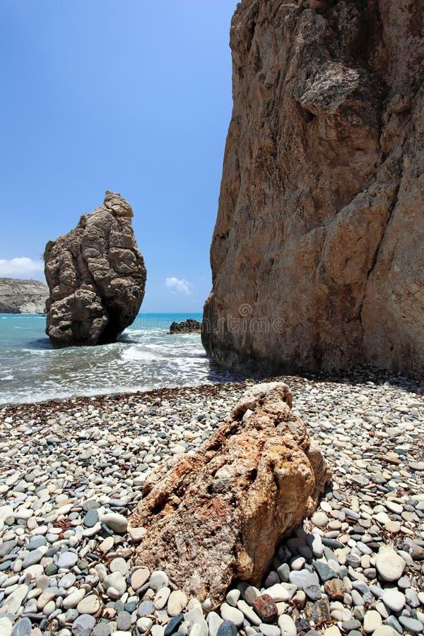 Rocas y orilla de mar. foto de archivo