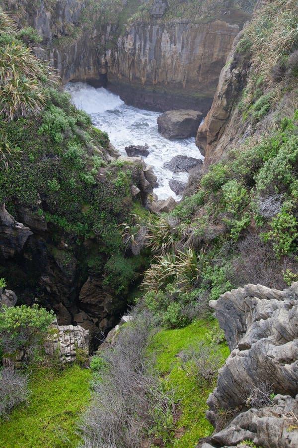 Rocas y sopladuras, Punakaiki Nueva Zelanda de la crepe imágenes de archivo libres de regalías