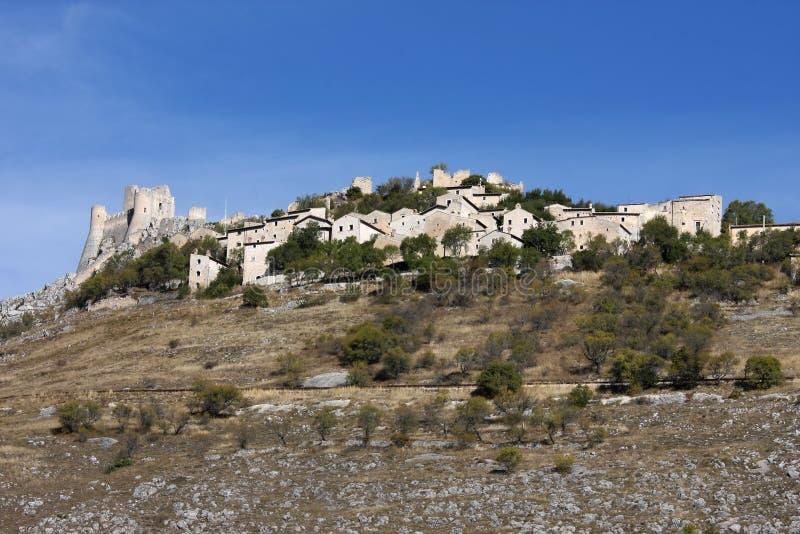 Rocca卡拉肖,亚平宁山脉,意大利堡垒  免版税图库摄影