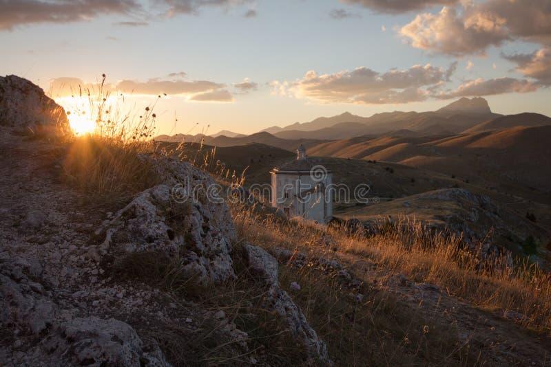Rocca Calascio, Dame Hawk Fortress, in Abruzzo, L'Aquila, Italië stock foto's