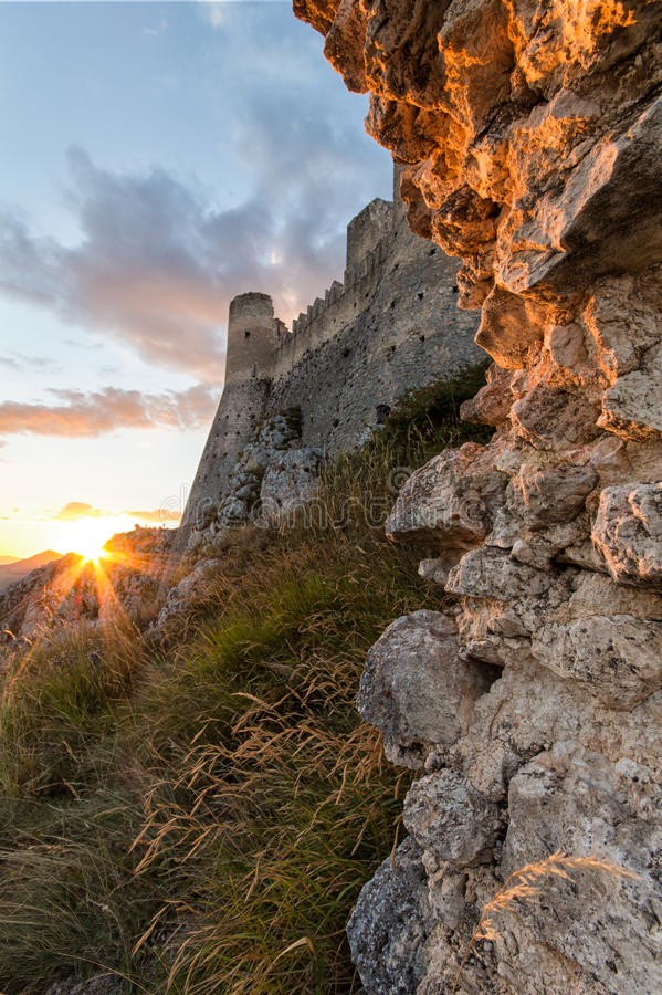 Rocca Calascio, Dame Hawk Fortress, in Abruzzo, L'Aquila, Italië stock fotografie