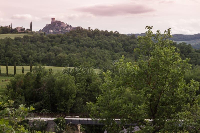 Rocca D ` Orcia视图 库存照片