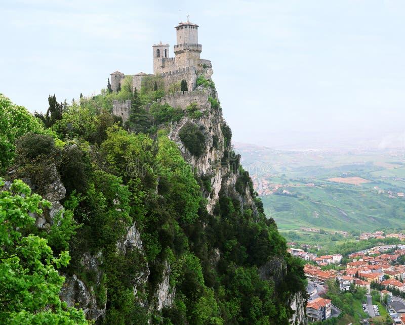 Rocca della Guaita, den sanmarinska mest forntida fästningen, Ita royaltyfri foto