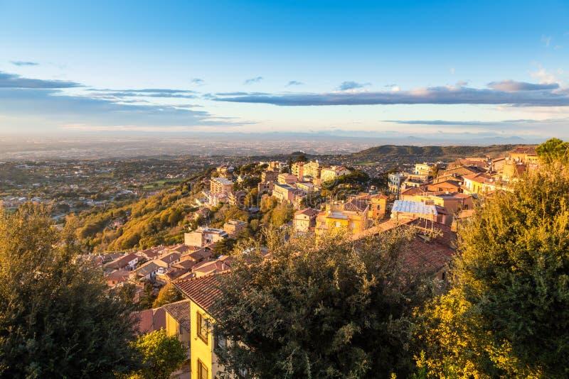 Rocca di Papa, Catelli Romani, Italie photo stock