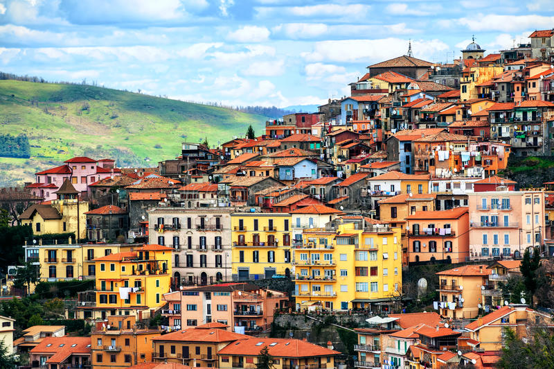 Rocca Di Papa stad op Alban Hills, Rome, Lazio, Italië stock fotografie