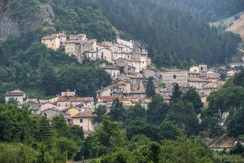 Rocca Pia L ` Aquila, Abruzzi, Włochy: panoramiczny widok fotografia royalty free