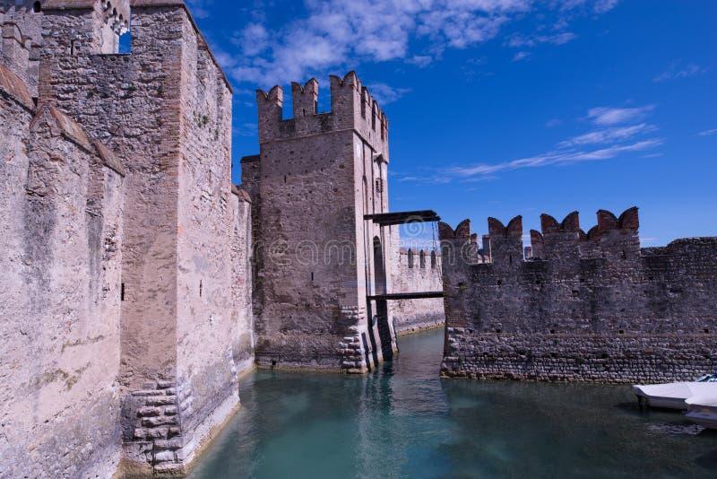 Rocca Scaligera城堡 免版税库存图片