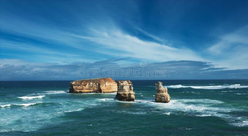 Download Rocce australiane famose immagine stock. Immagine di australia - 30828353