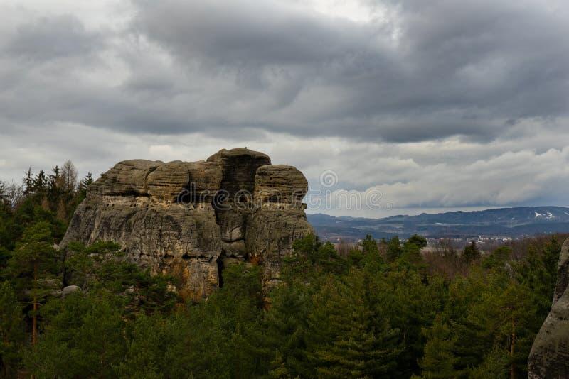 Rocce ceche dell'arenaria nel paradiso della Boemia immagini stock libere da diritti