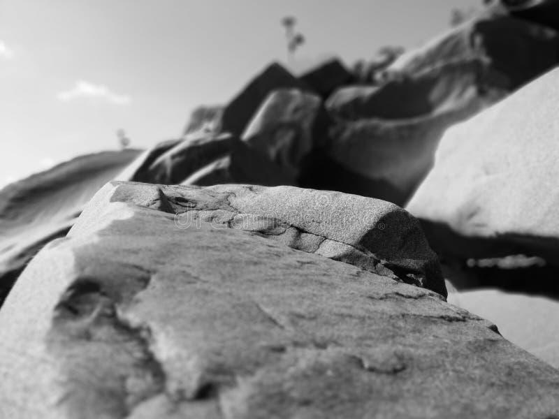 Rocce costiere liscie immagini stock