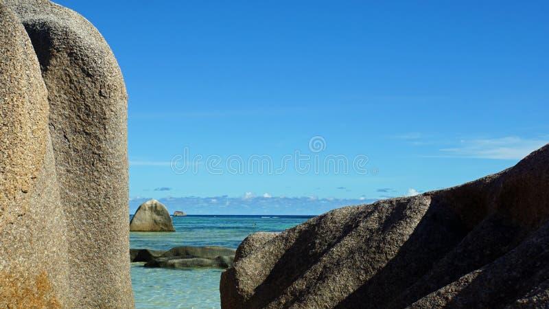 Rocce del granito nel paradiso fotografia stock libera da diritti