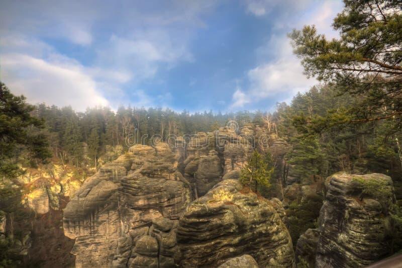 Rocce dell'arenaria nel paradiso della Boemia, hdr fotografie stock libere da diritti