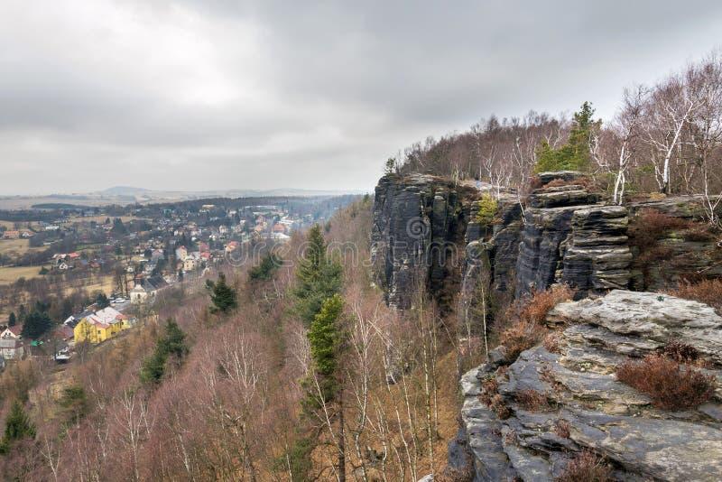 Rocce di Tisa o pareti in Svizzera della Boemia occidentale, rocce dell'arenaria di Elba, repubblica Ceca di Tisa immagine stock libera da diritti