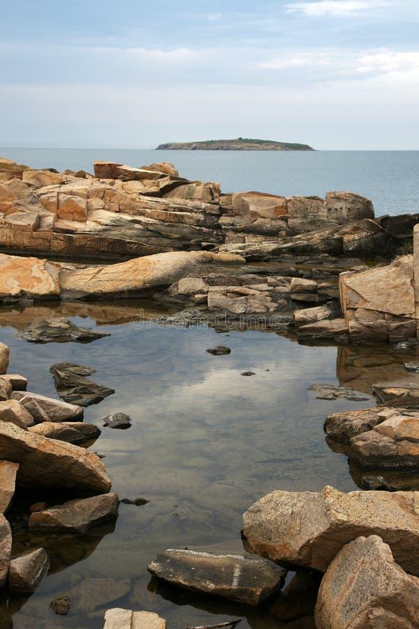 Rocce ed isola 2 fotografia stock libera da diritti