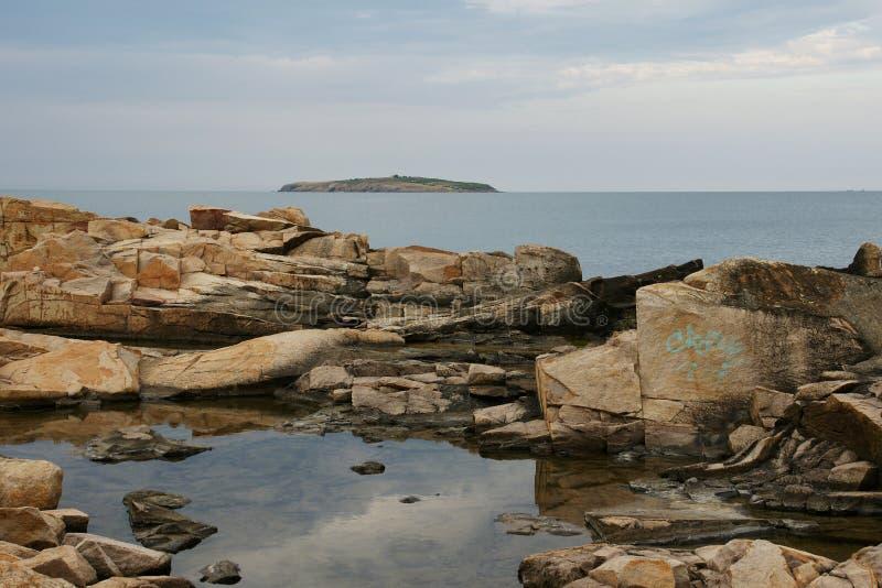 Rocce ed isola 3 immagini stock libere da diritti