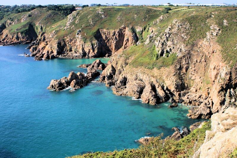 Rocce litoranee del Guernsey fotografia stock libera da diritti