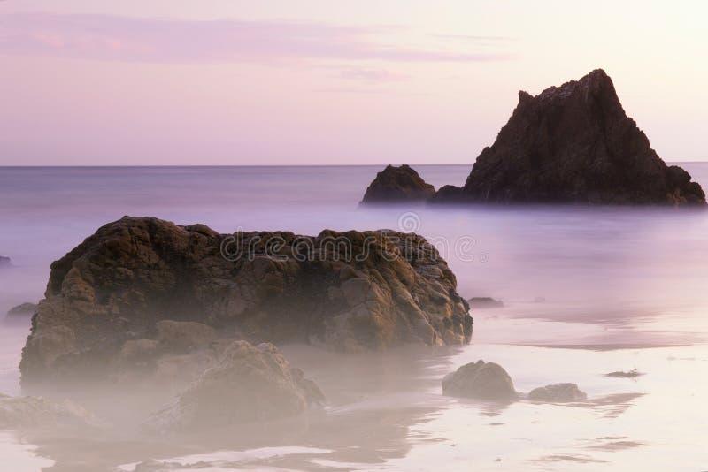Rocce in spuma alla spiaggia della california fotografia - Alla colorazione della spiaggia ...