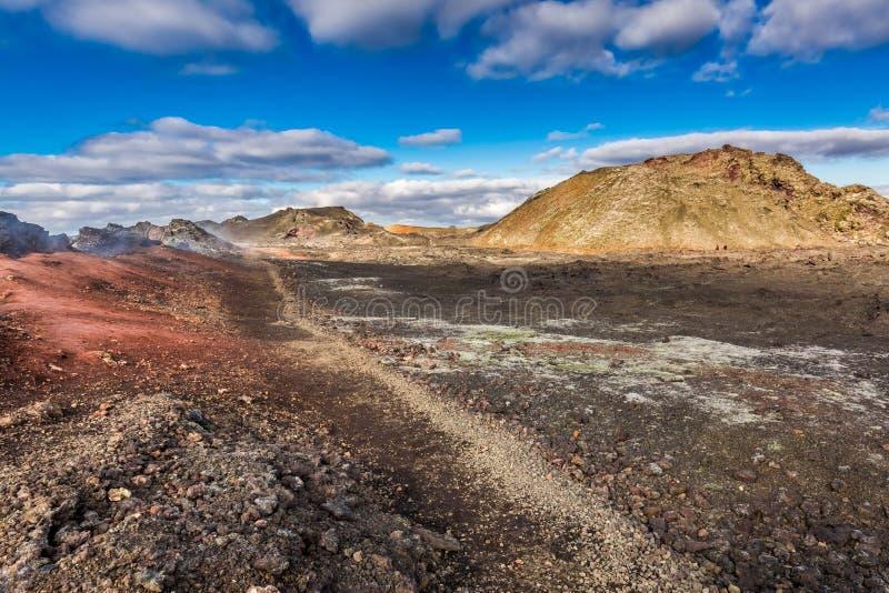Rocce vulcaniche congelate dopo l'eruzione del vulcano, Islanda fotografie stock