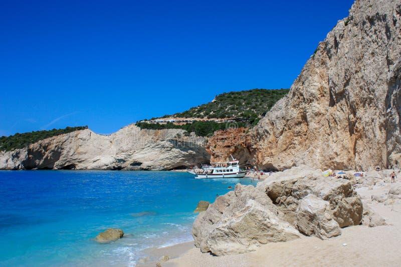 Roccia alla spiaggia di Oporto Katsiki sull'isola di Leucade fotografia stock libera da diritti