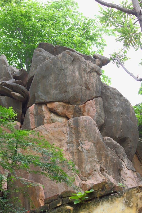 Roccia antica artistica della pietra immagini stock