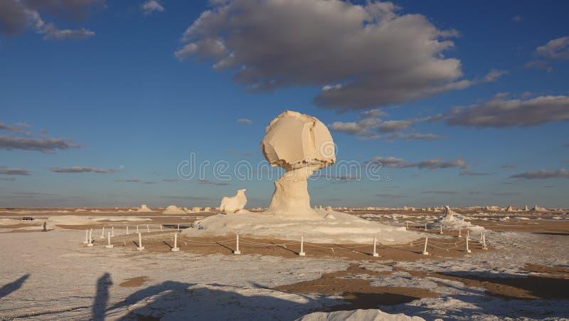 Roccia bianca in deserto nell'Egitto fotografia stock