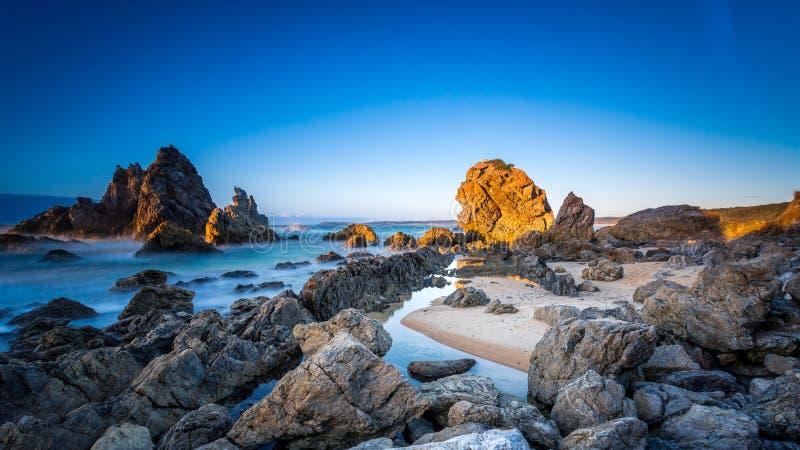 Roccia del cammello ad alba, Bermagui, NSW Australia immagine stock