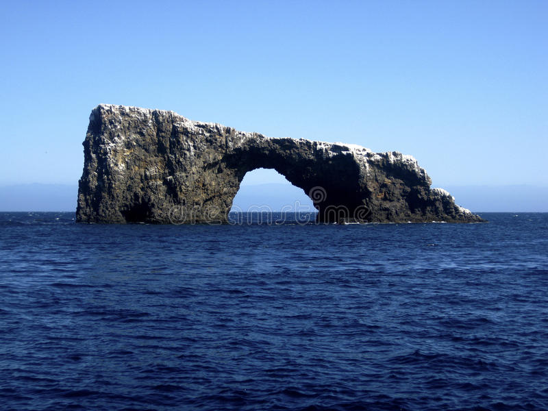 Roccia dell'arco, isole della Manica immagine stock libera da diritti