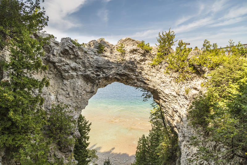 Roccia dell'arco nell'isola di Mackinac, Michigan fotografia stock libera da diritti