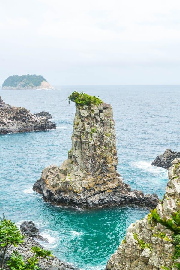 Roccia di Jeju-Do Oedolgae (punto di riferimento naturale famoso) nell'isola di Jeju, fotografie stock libere da diritti