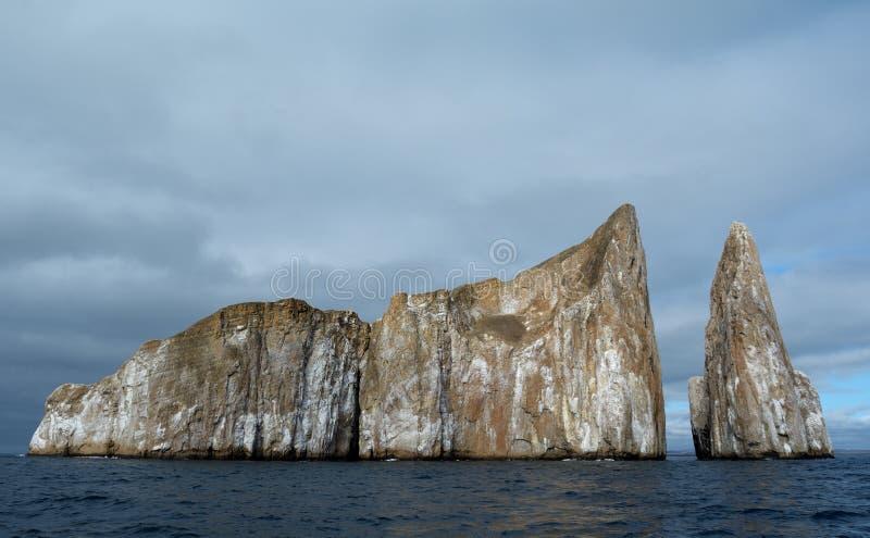 Roccia Leon Dormido degli estrattori a scatto di Galapagos fotografia stock libera da diritti