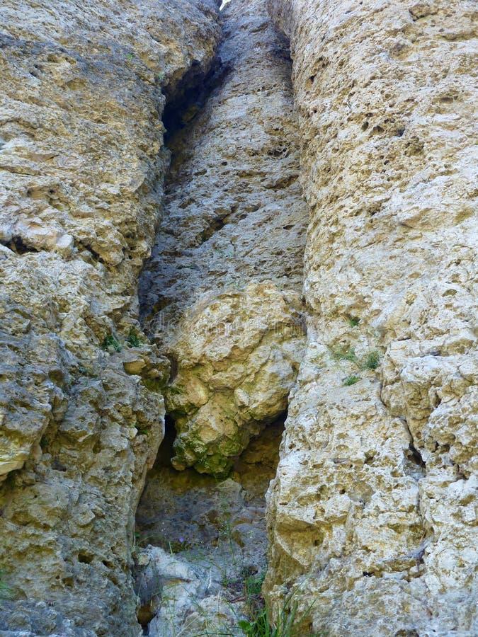 Rocha da pedra calcária em um frenkenjura de escalada da área fotos de stock