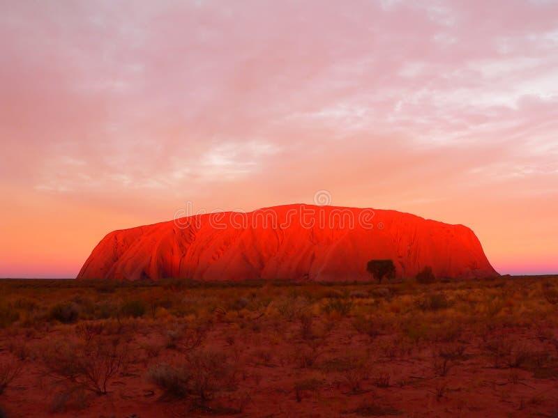 Rocha de Ayer (Uluru) imagens de stock